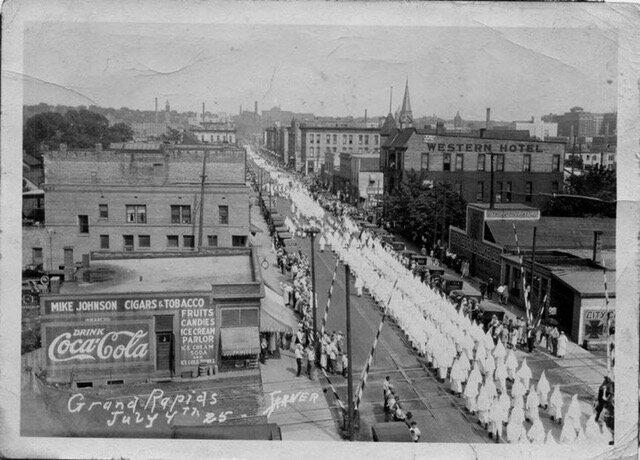 GR_Klan_march1925.jpeg