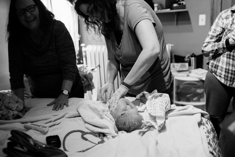birthphotography_nikitagross_marriedtothemoon__4740.jpg