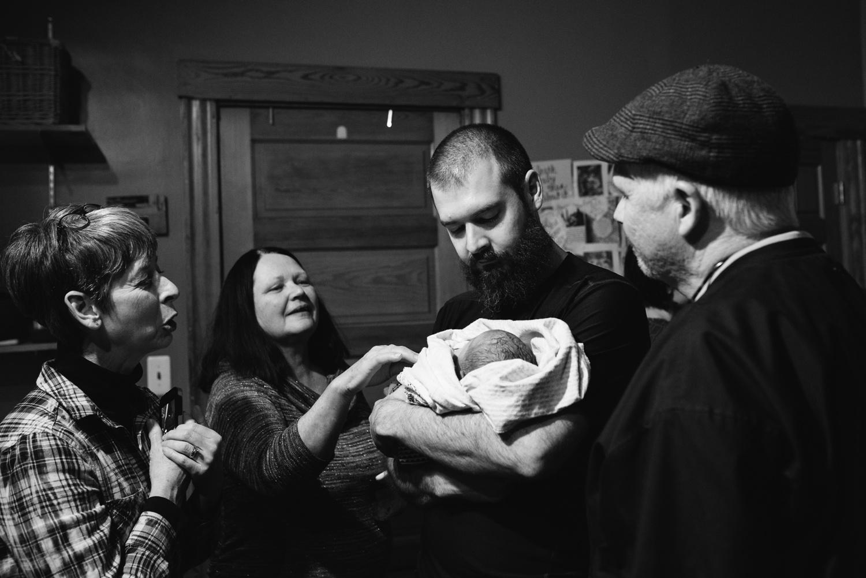birthphotography_nikitagross_marriedtothemoon__4742.jpg