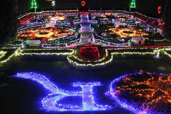hunter valley gardens - Christmas Lights Spectacular Part 2 Hunter Valley Gardens 30 December