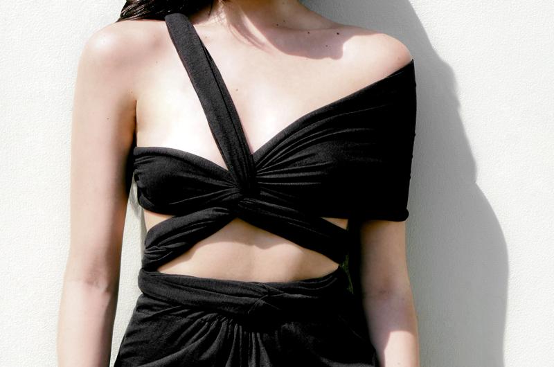 04_Black_Versatility_dress2.jpg