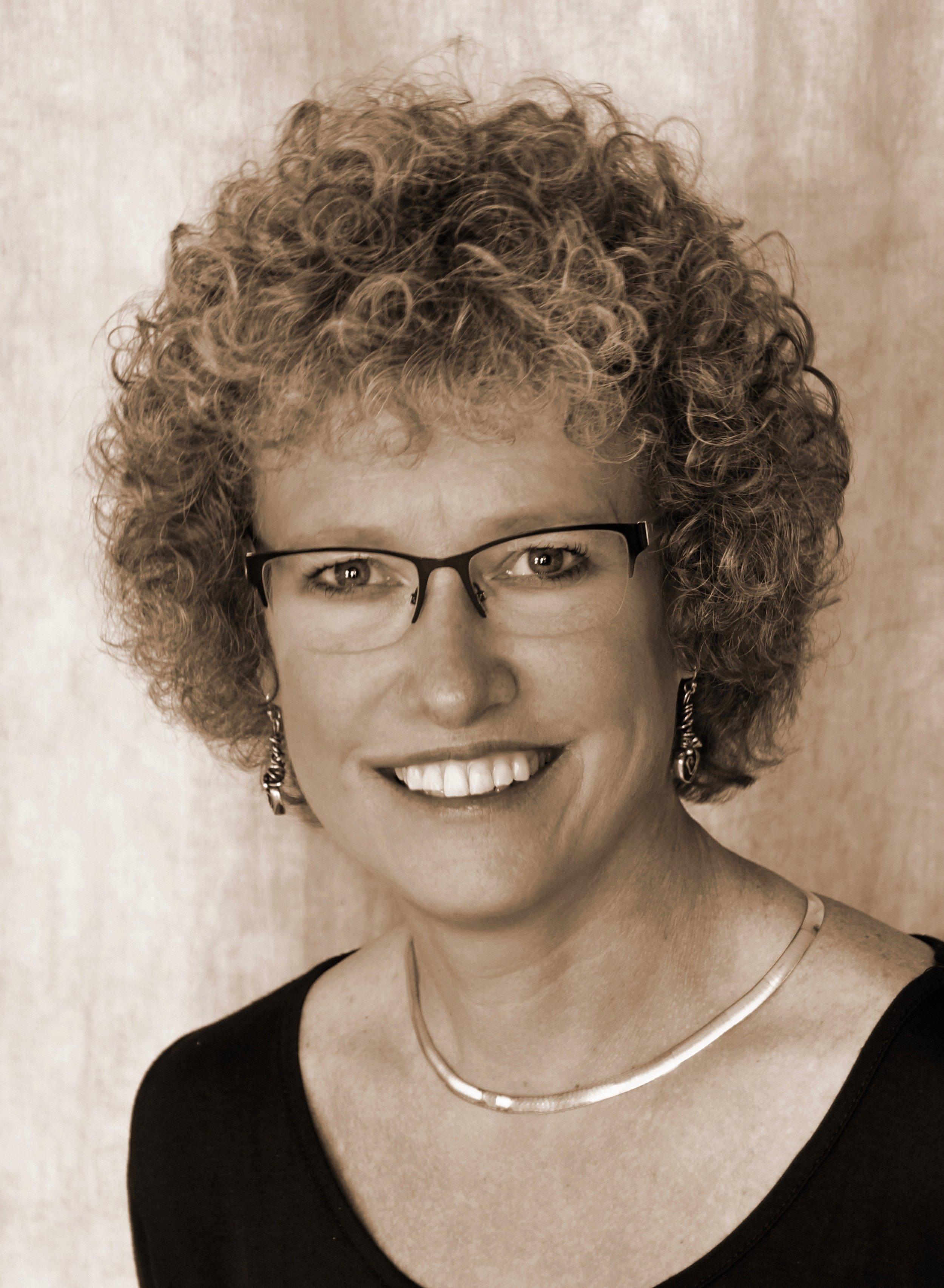 Laura Apol