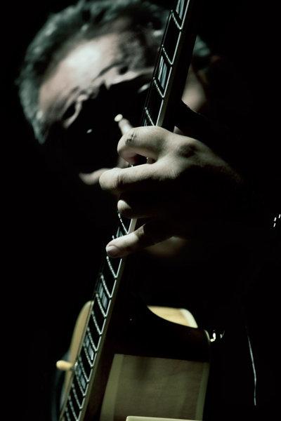 jaime-valle-guitar-10.jpg