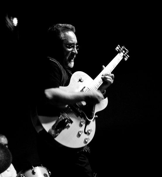 jaime-valle-guitar-09.jpg