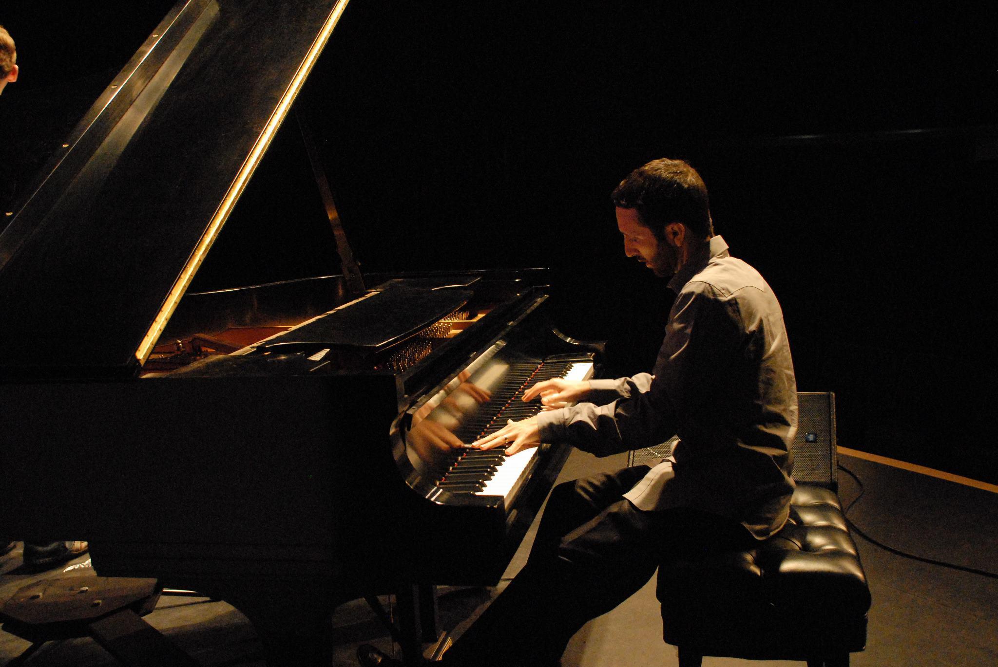 danny-green-piano-01.jpg