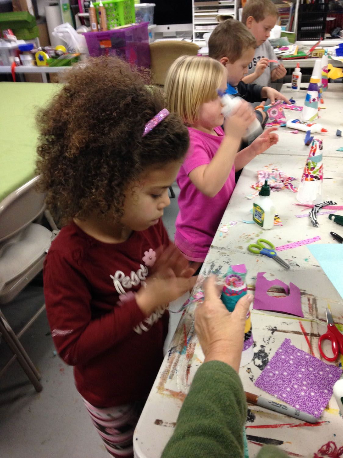 boys-and-girls-making-art-at-camp-art-by-tjm-studio-greensboro-img_0402.jpg