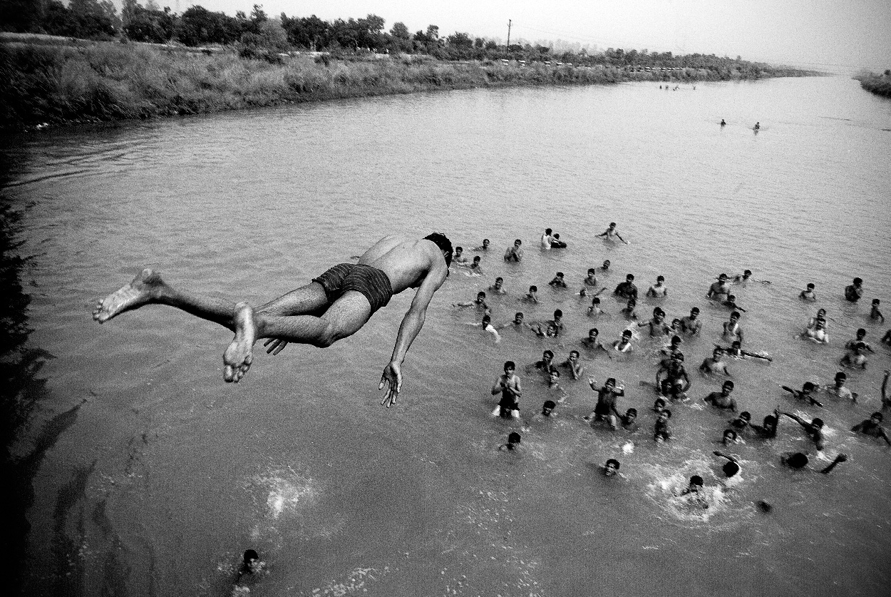 Summer Bridge Jumping, India