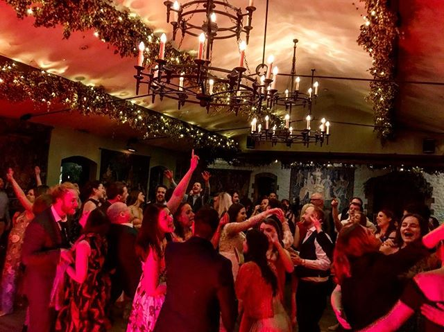 Congratulations Liz & Eoin! #TheMixtapeBand #Weddings #WeddingBand #weddingentertainment