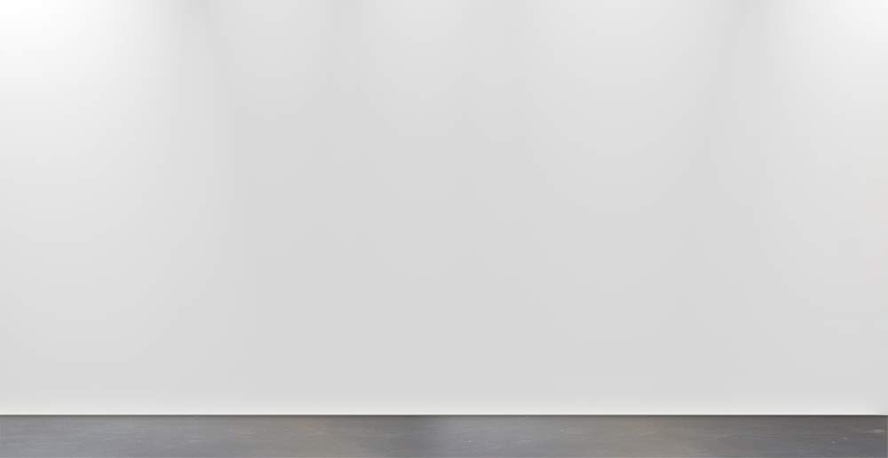 1000px-gallery-wall-empty.jpg