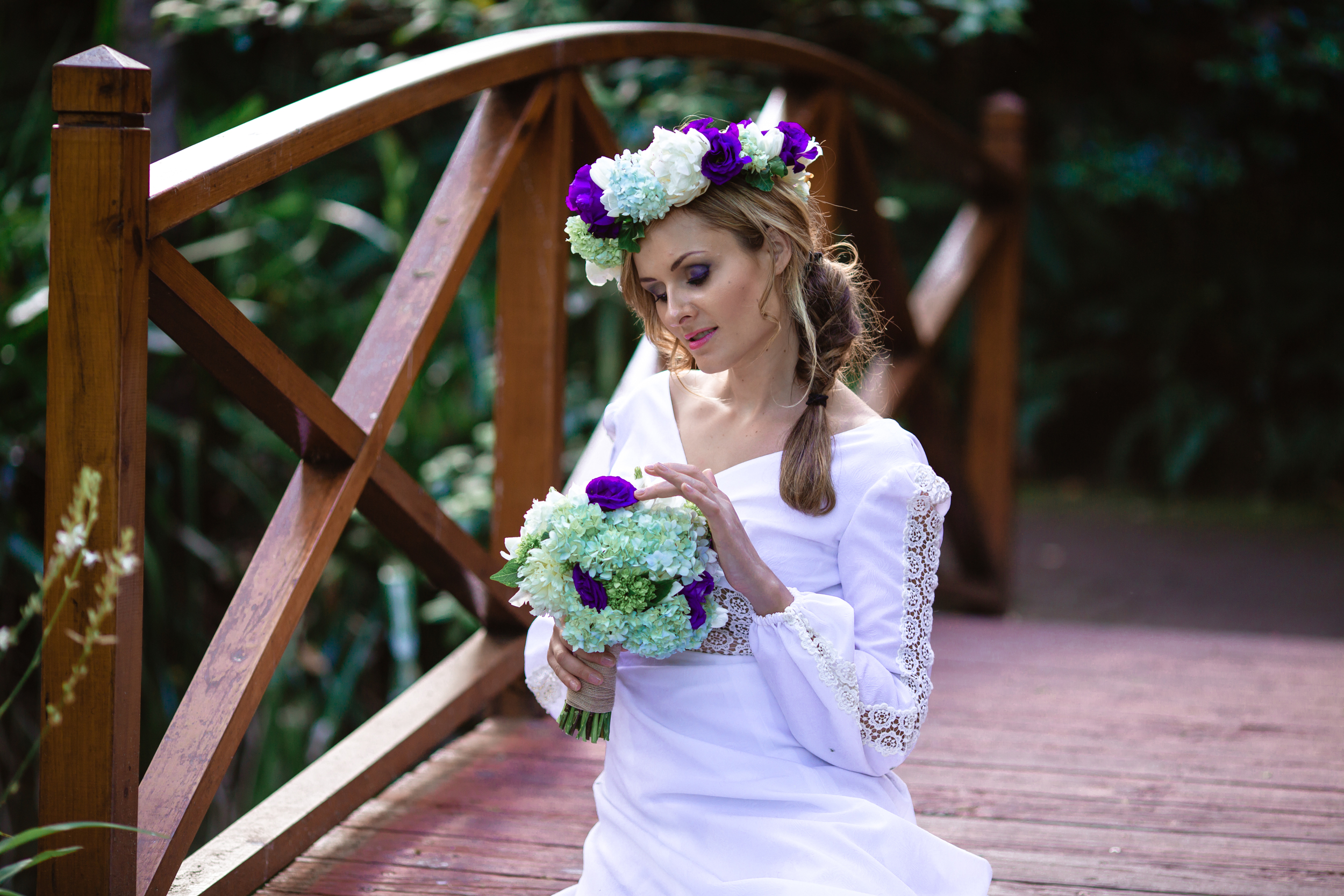 Garden Wedding - Floral Crown and bridal bouquet 18.jpg
