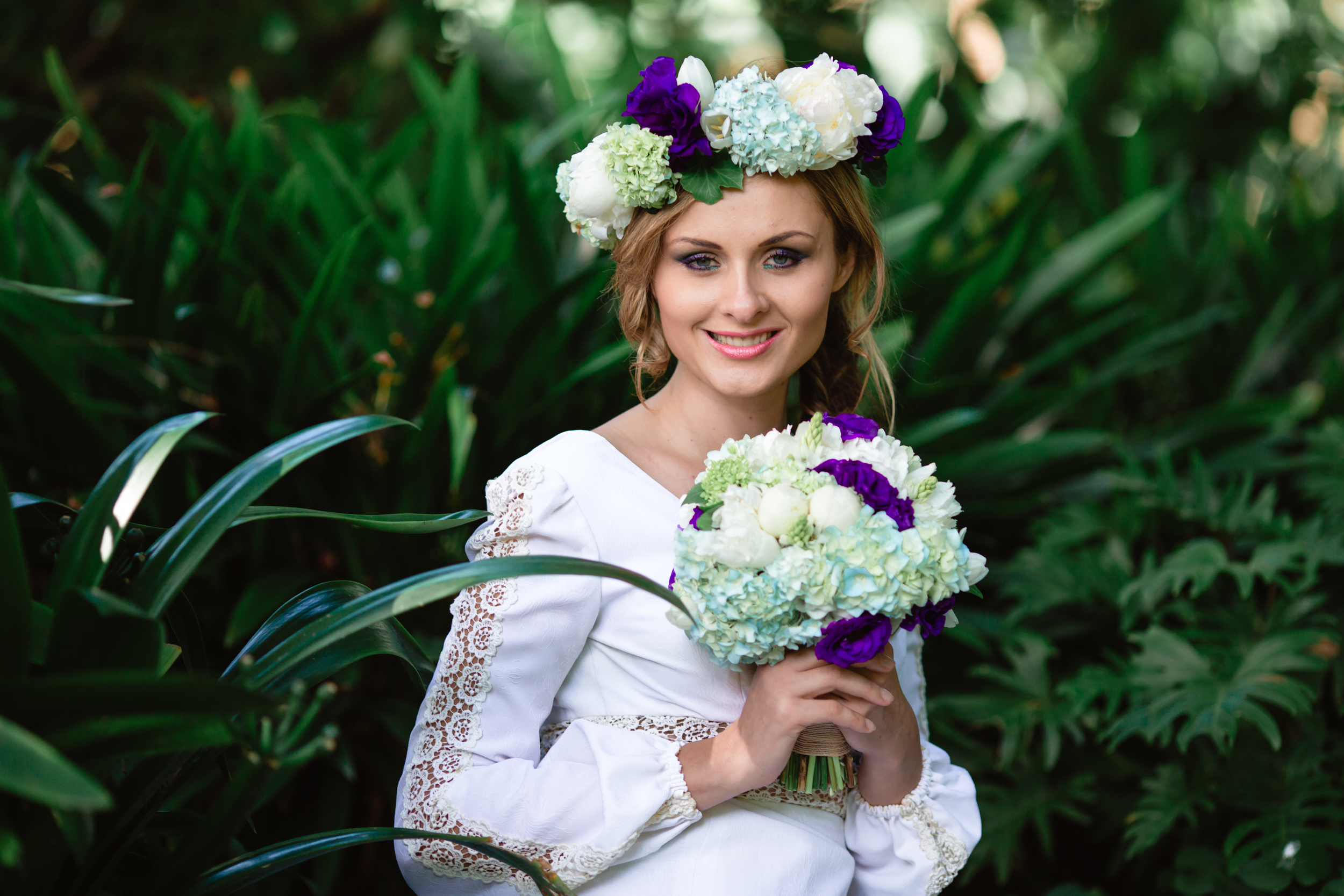 Garden Wedding - Floral Crown and bridal bouquet 19.jpg