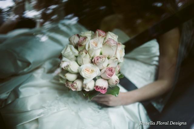Rose bouquets wedding-5.jpg