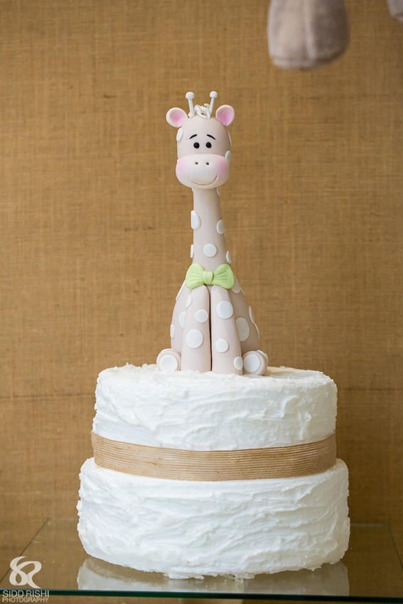 Jiraffe cake for baby shower.jpeg
