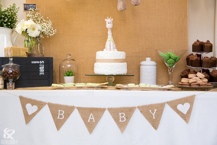 Rustic style baby shower cake.jpeg