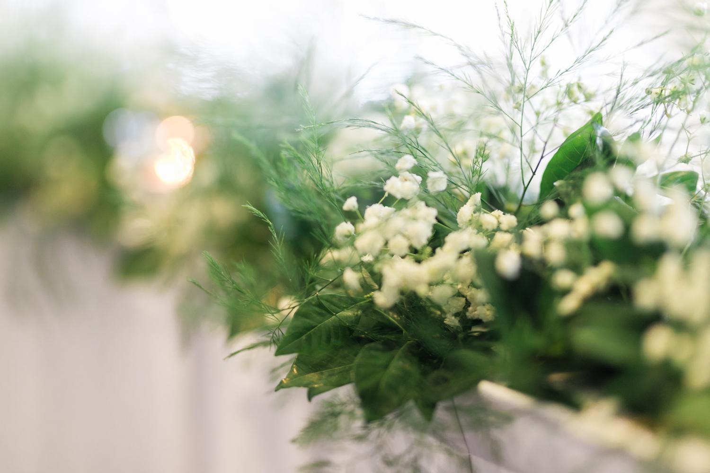 baby's breath wedding arrangement bridal table.jpg