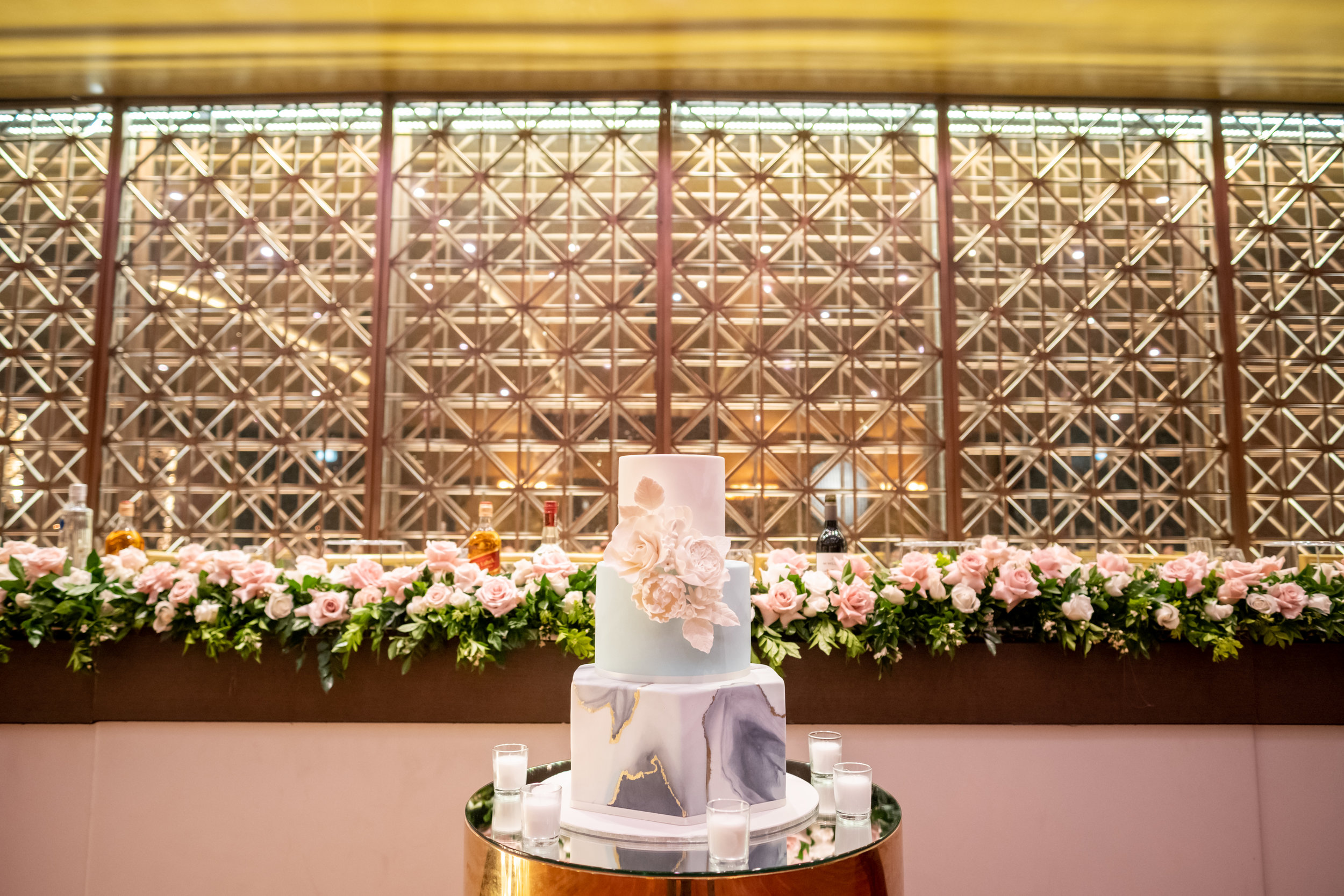bridal table flowers dusty pink.JPG