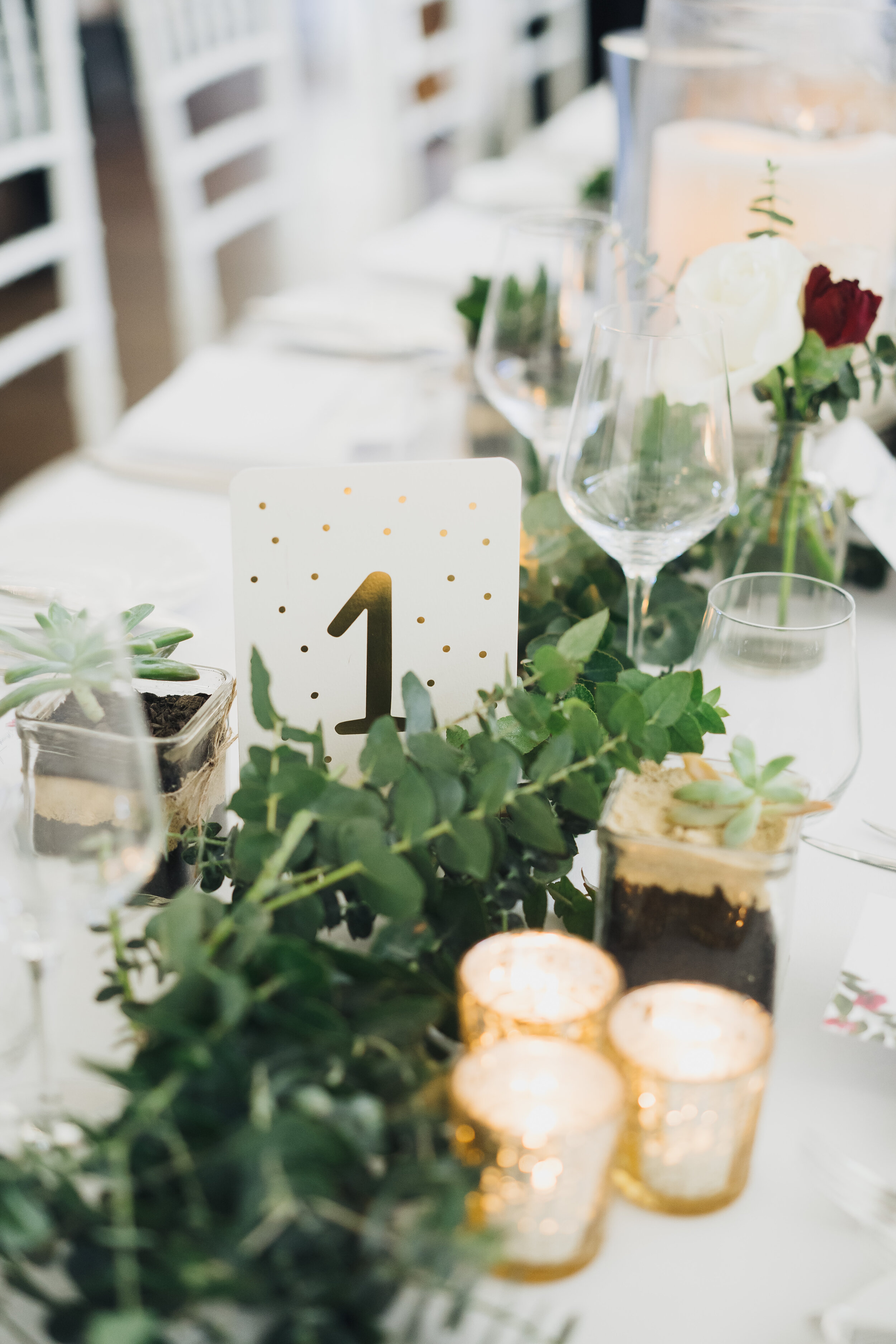 table garland.jpg