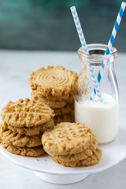 classic-peanut-butter-cookies_0615.jpg