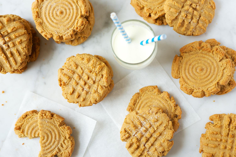 classic-peanut-butter-cookies-2_0615.jpg