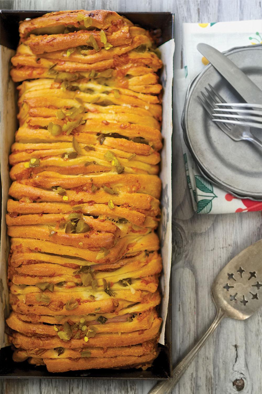 cheddar-'n'-chiles-accordion-bread.jpg