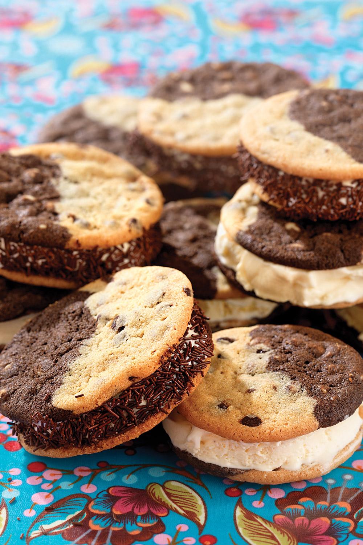 chocolate-chip-ice-cream-sandwich.jpg