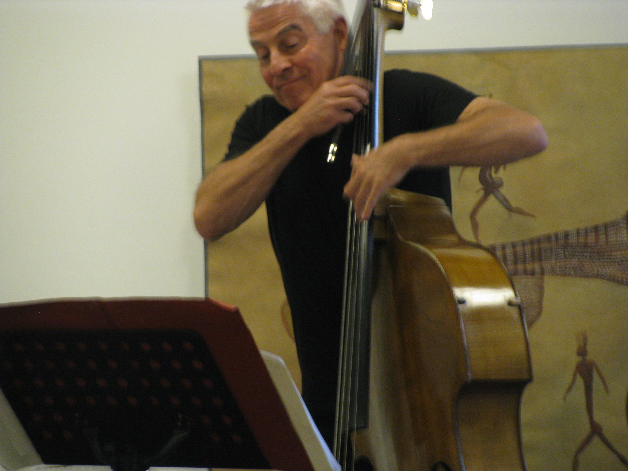 "Barry Guy performs ""Peace Piece"" at Goethe-Institut Paris."