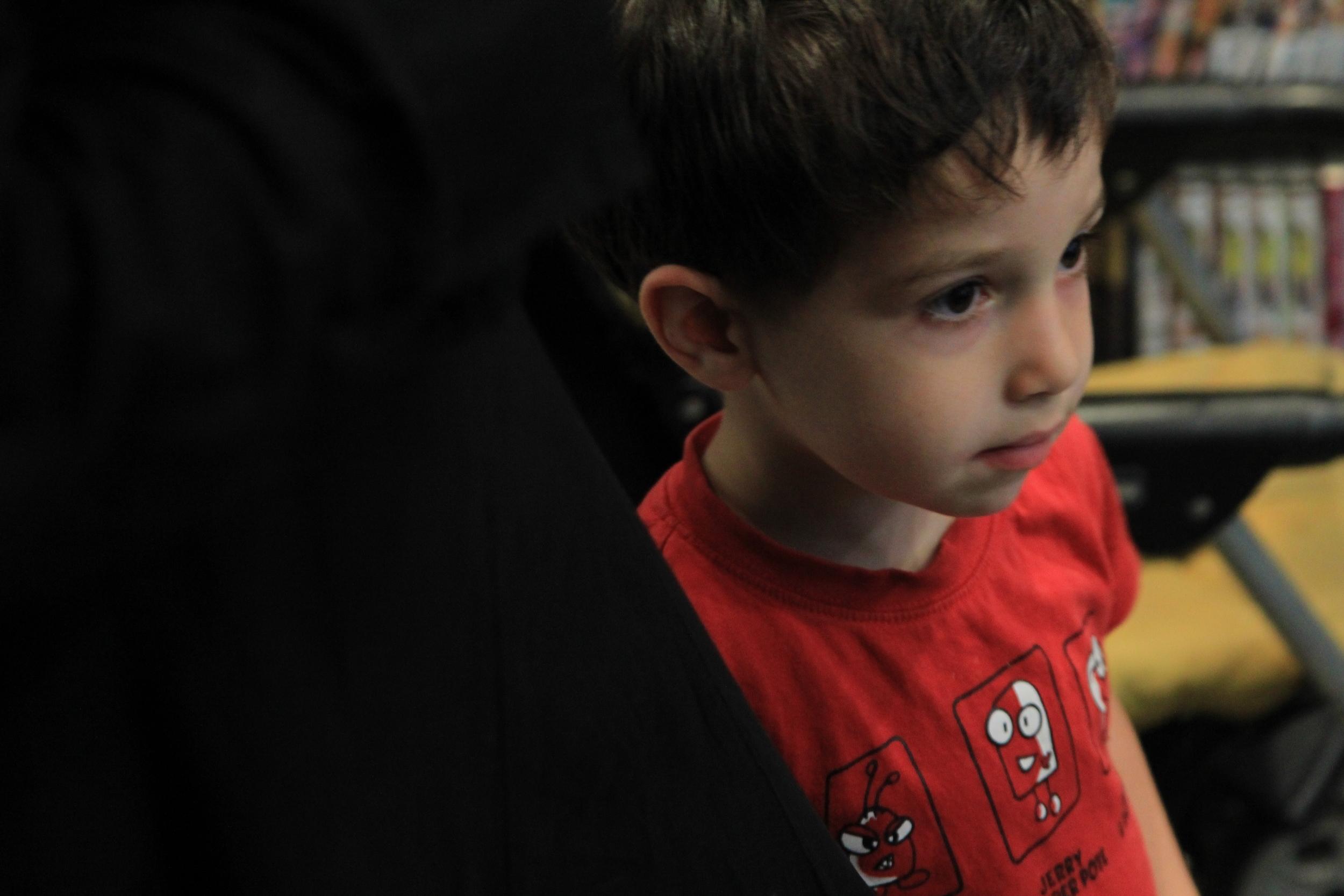A young spectator at Le comptoir des mots. Photo: Dan Gunn.