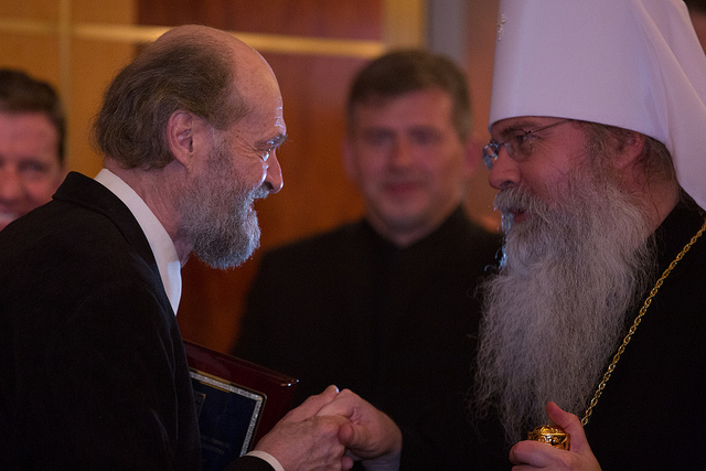 Arvo Pärt greets a priest prior to the May 31st concert at Carnegie Hall. Photo: Eleri Ever.