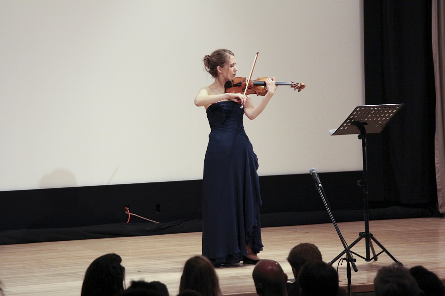 AliisaBarrière performs Nocturne for solo violin