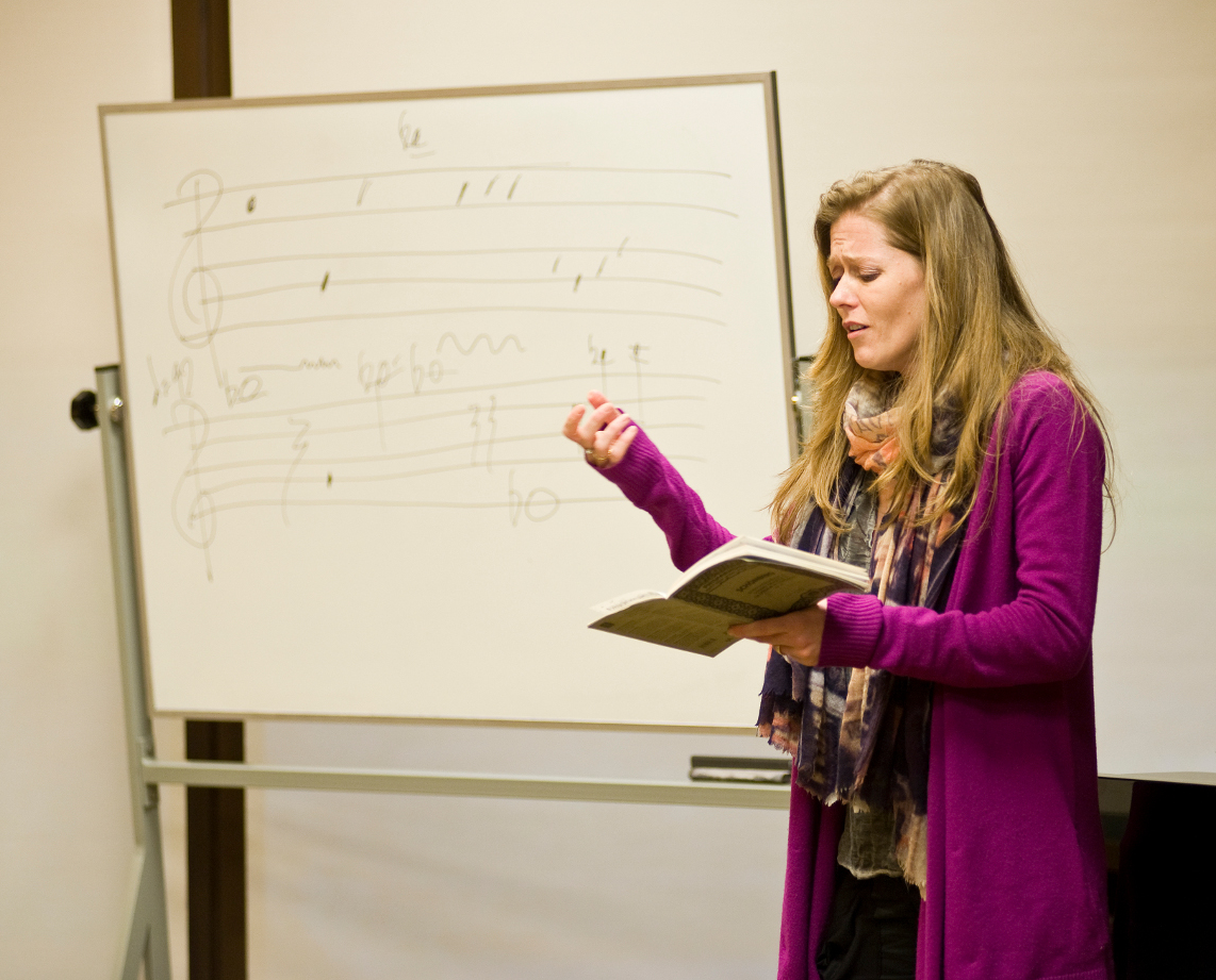 Barbara Hannigan  giving a workshop on composing for the voice (image credit: Marcia Lessa)