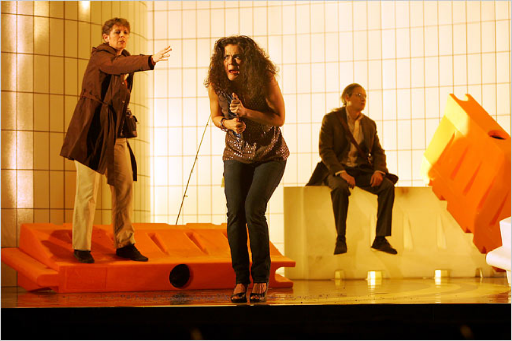 Photograph of a 2007 performance of  What Next?  at the Miller Theater. Courtesy of Paul Griffiths.