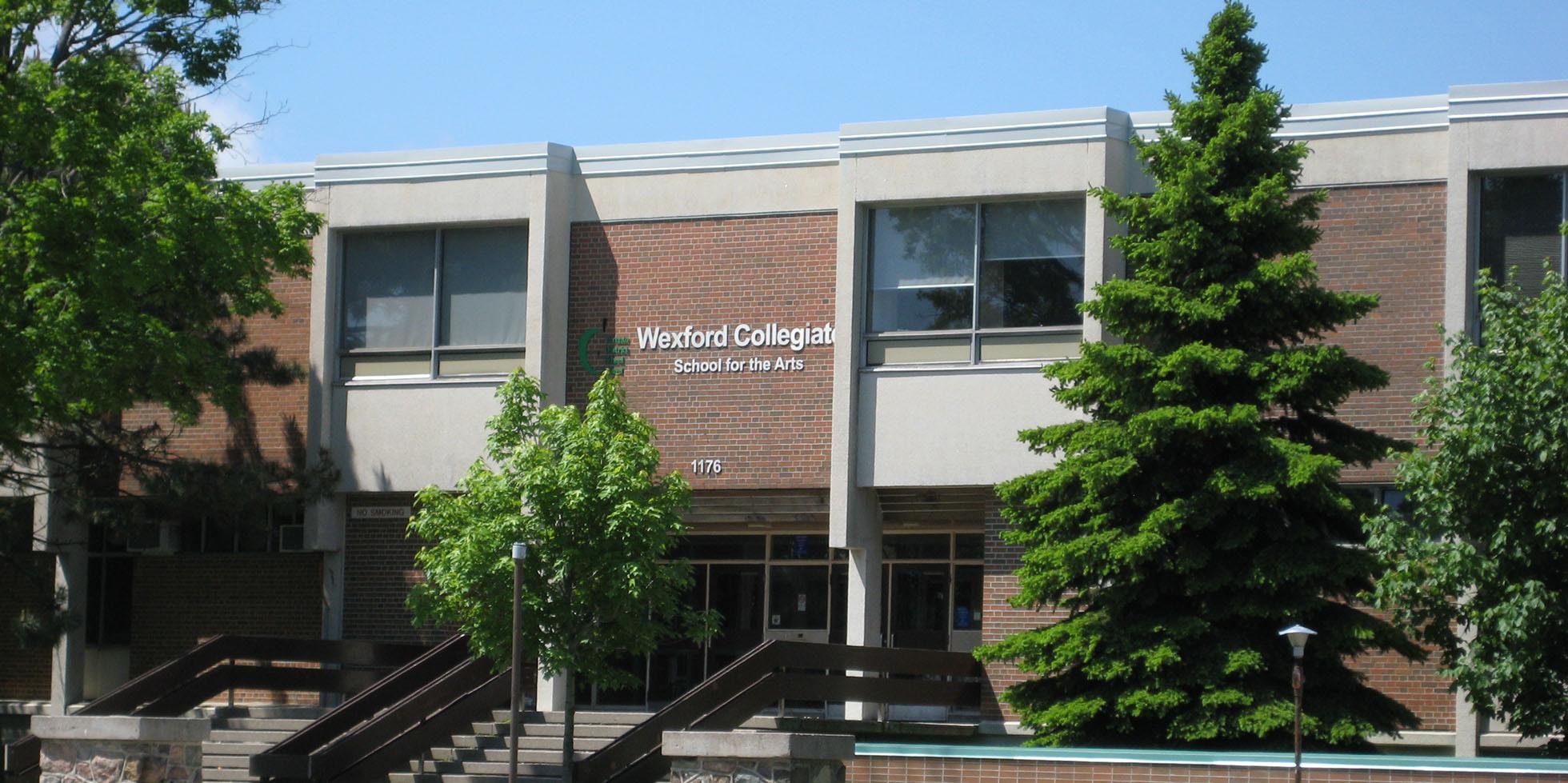 Wexford_Collegiate_Institute 2.jpg