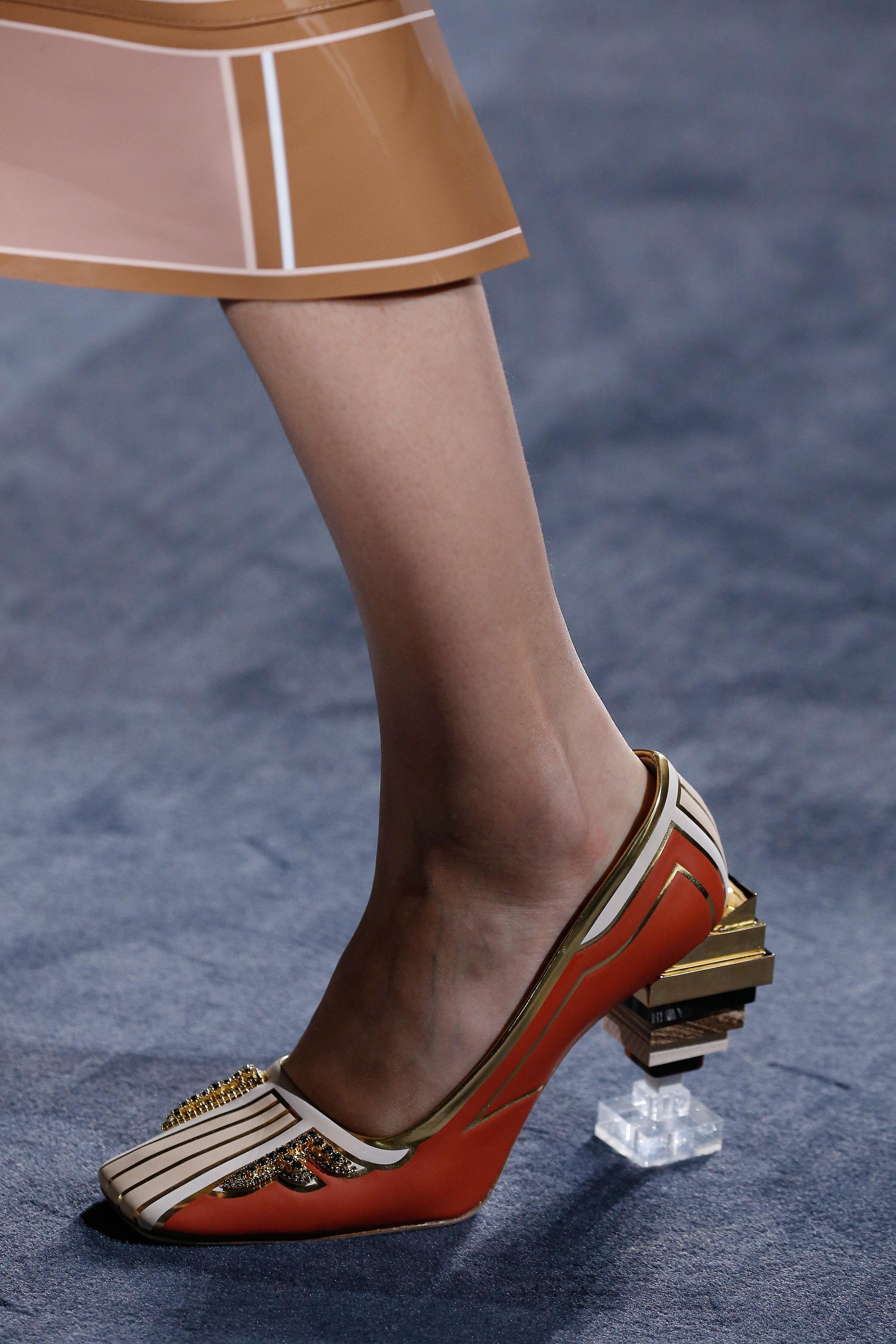 Fendi Couture Close-Up-16.jpg
