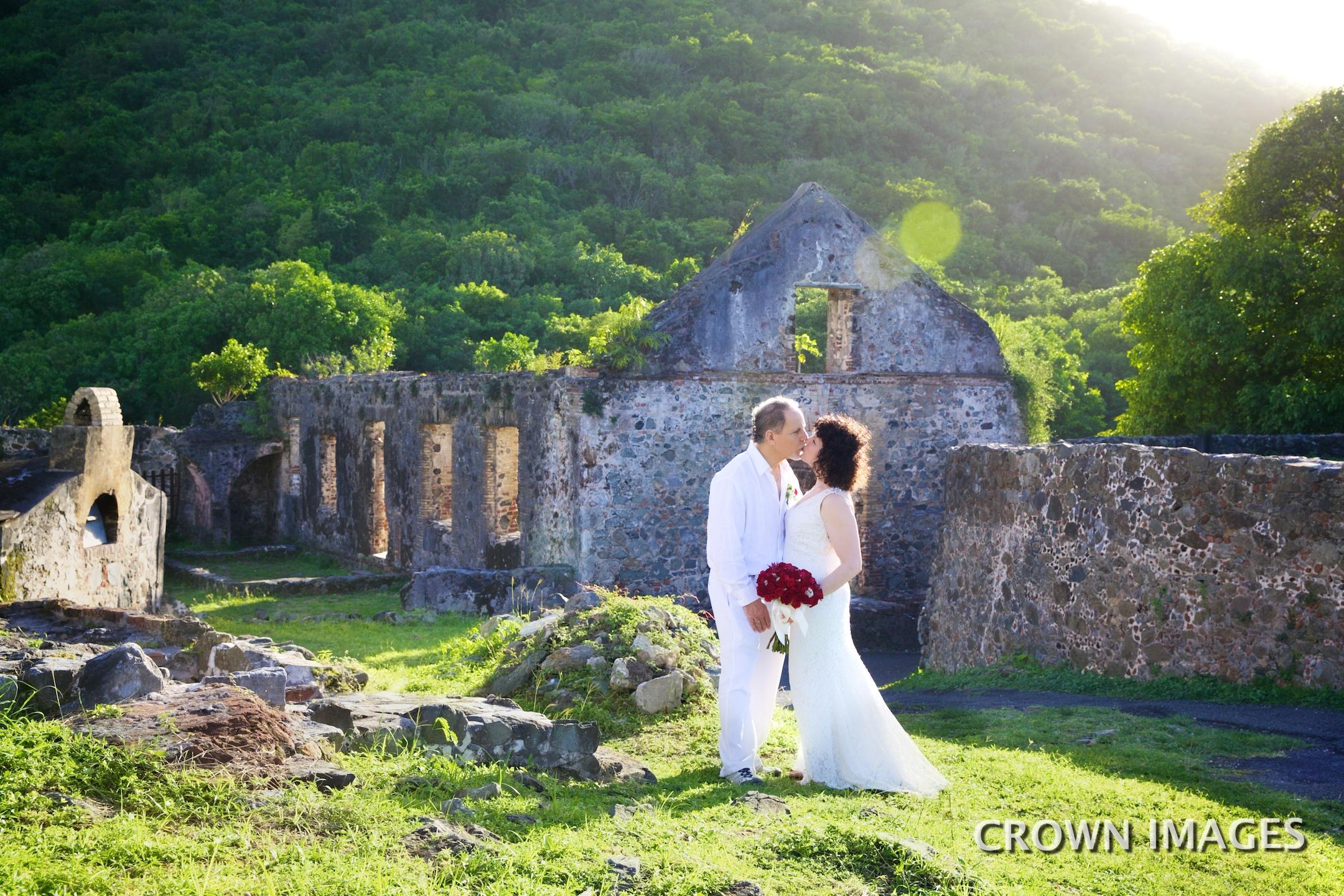 st john wedding photos in the ruins