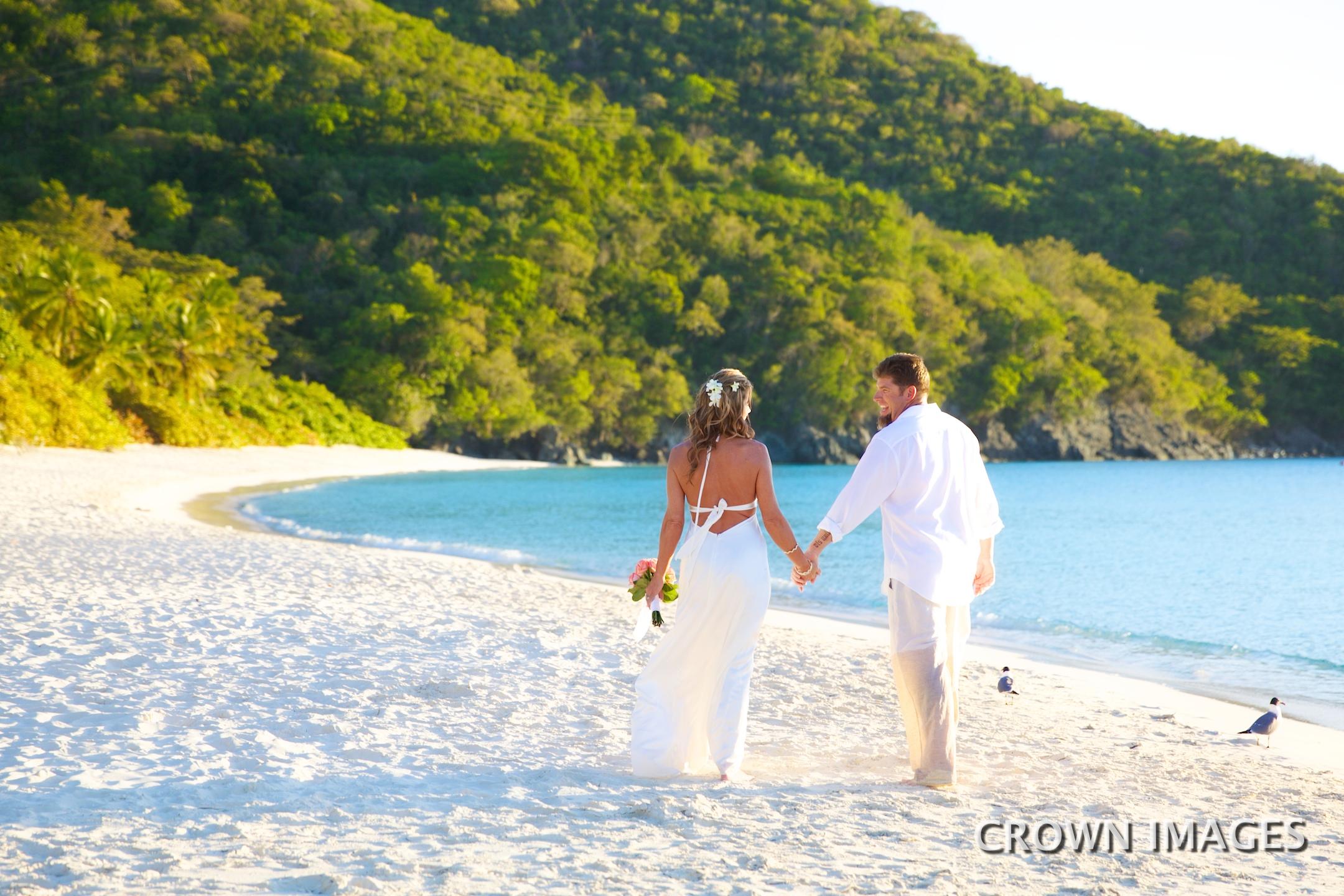 beach wedding photos on st john