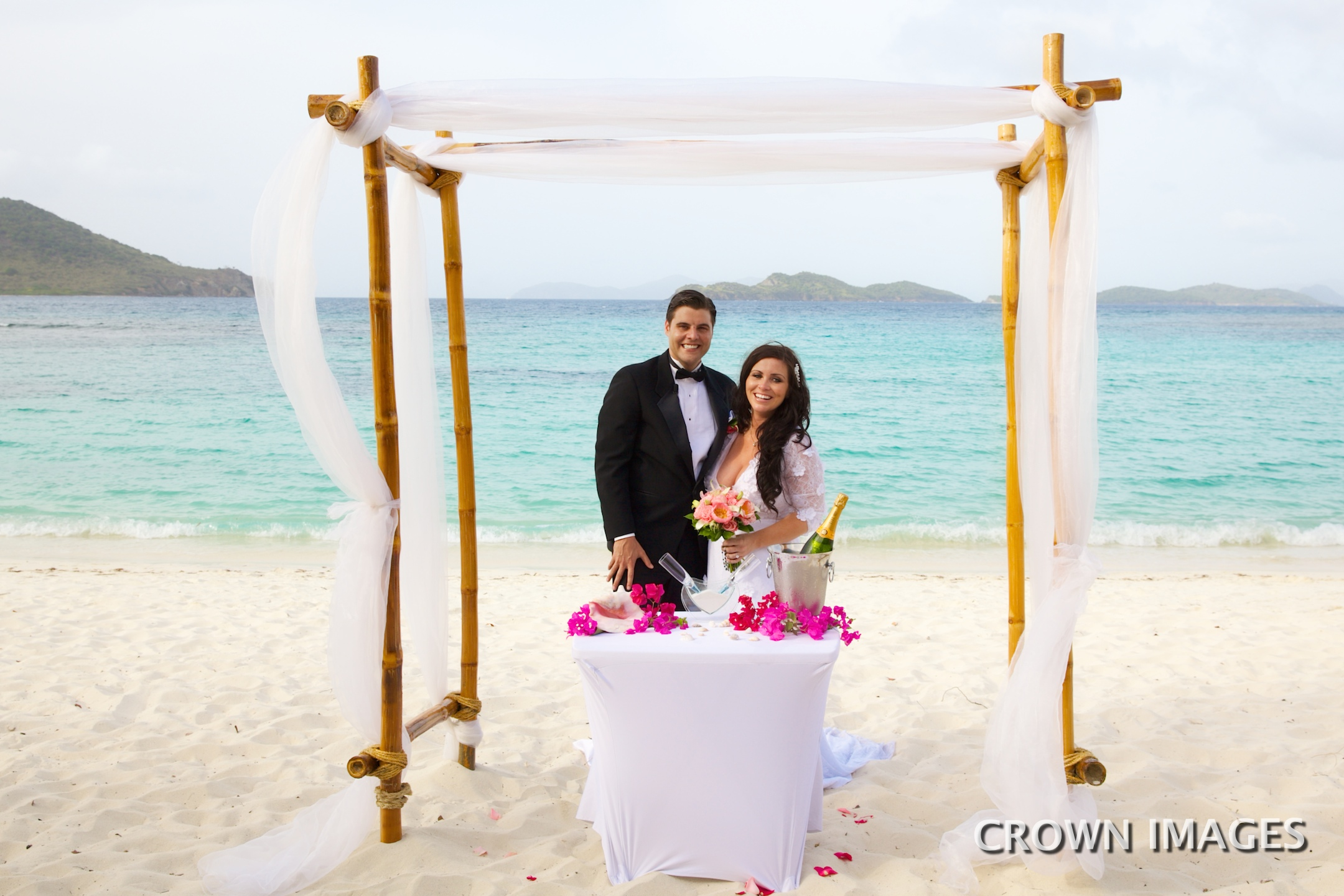 beach wedding on st thomas