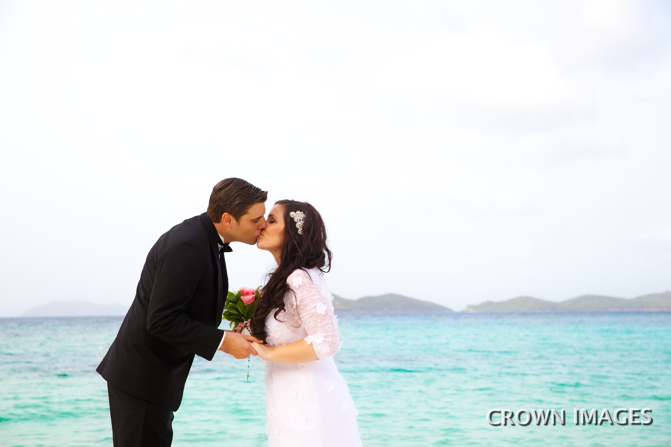 beach wedding in st thomas