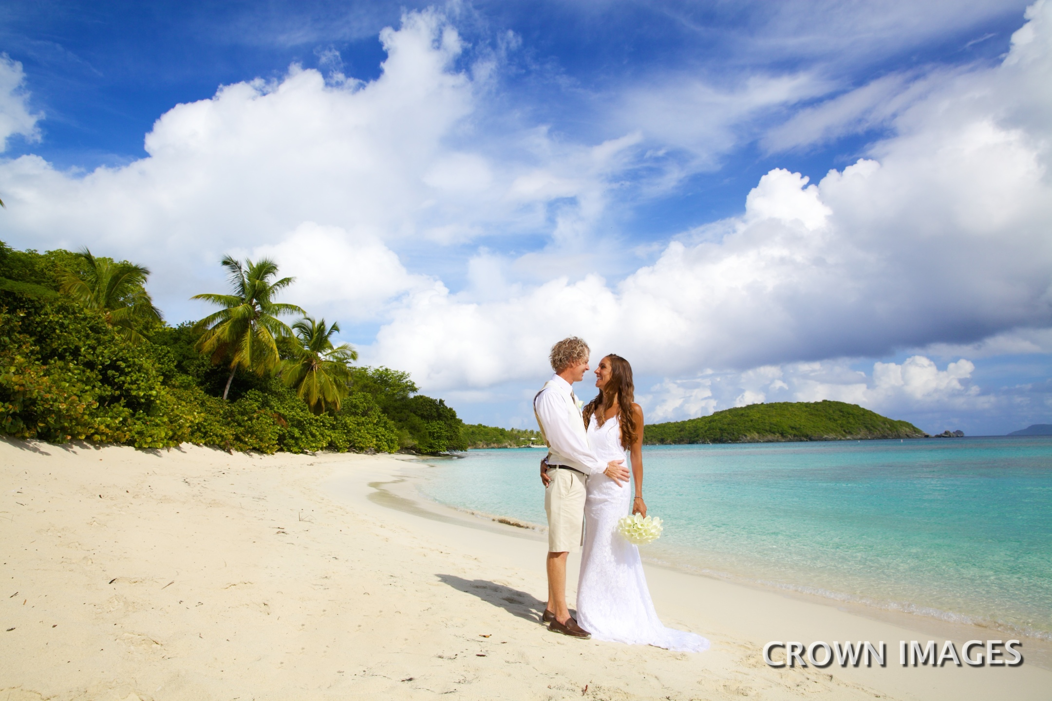 planning a wedding on st john photo by crown images