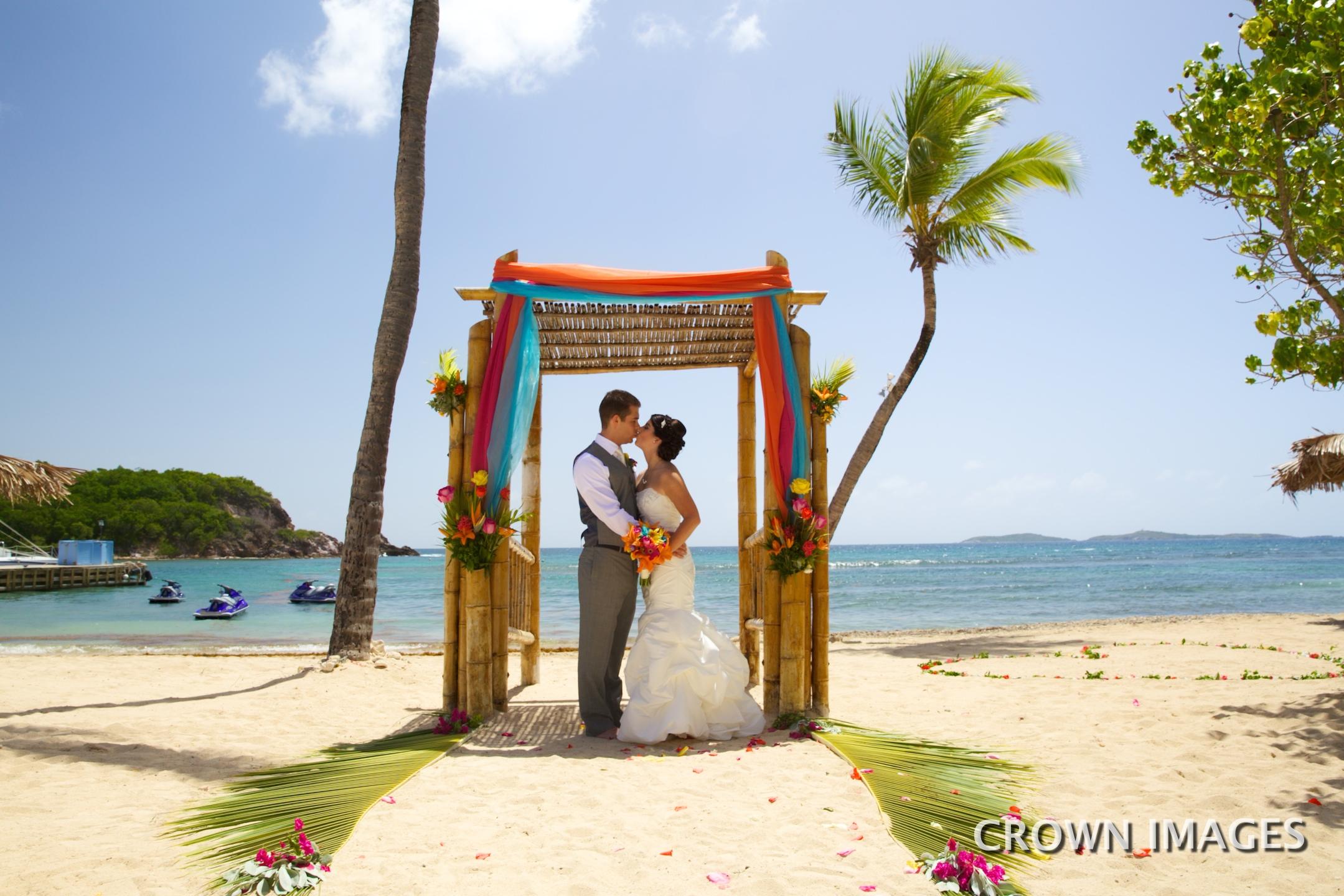 bolongo bay beach wedding on st thomas
