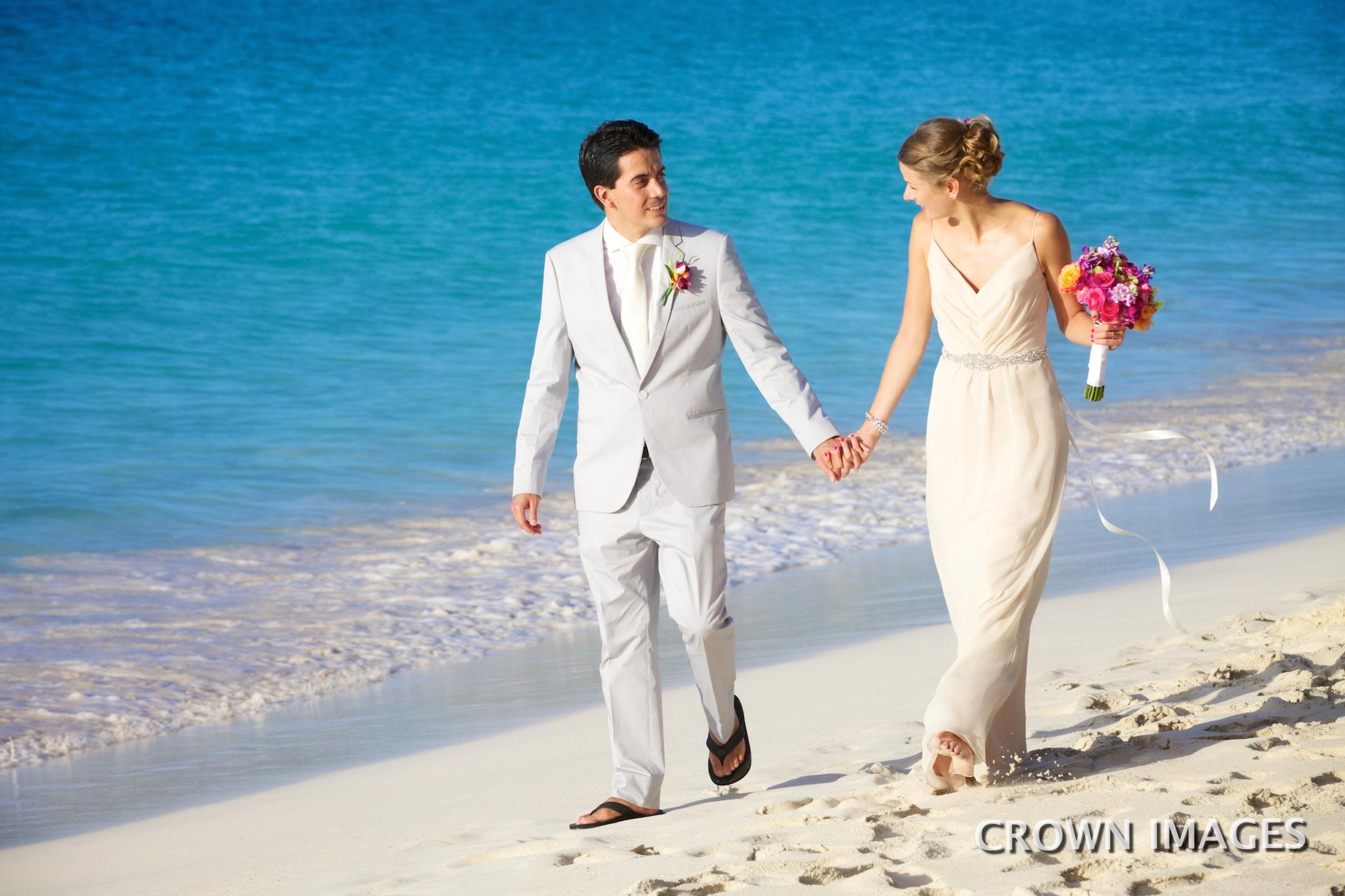 trunk bay beach wedding photos