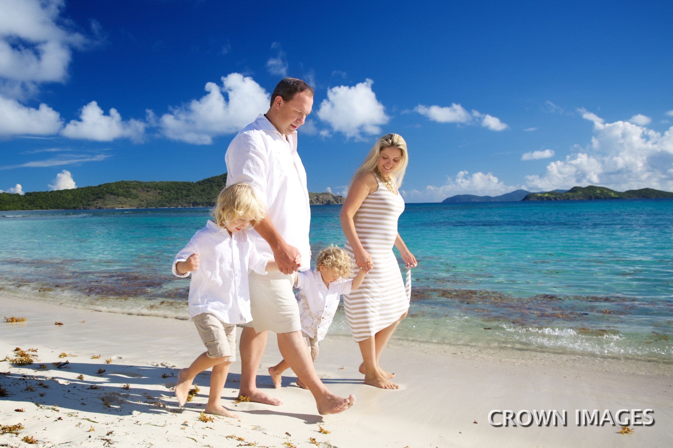 professional family photos of vacation on st thomas