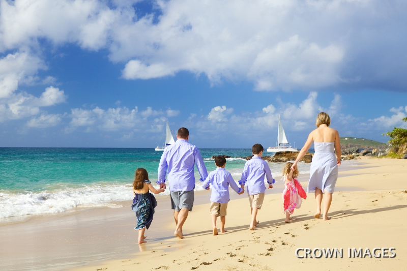 st thomas photos on the beach of family