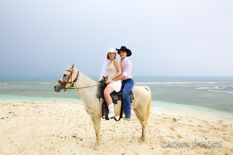wedding photos with a horse on st thomas photo by crown images