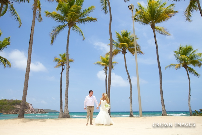 bolongo bay resort wedding photos by crown images