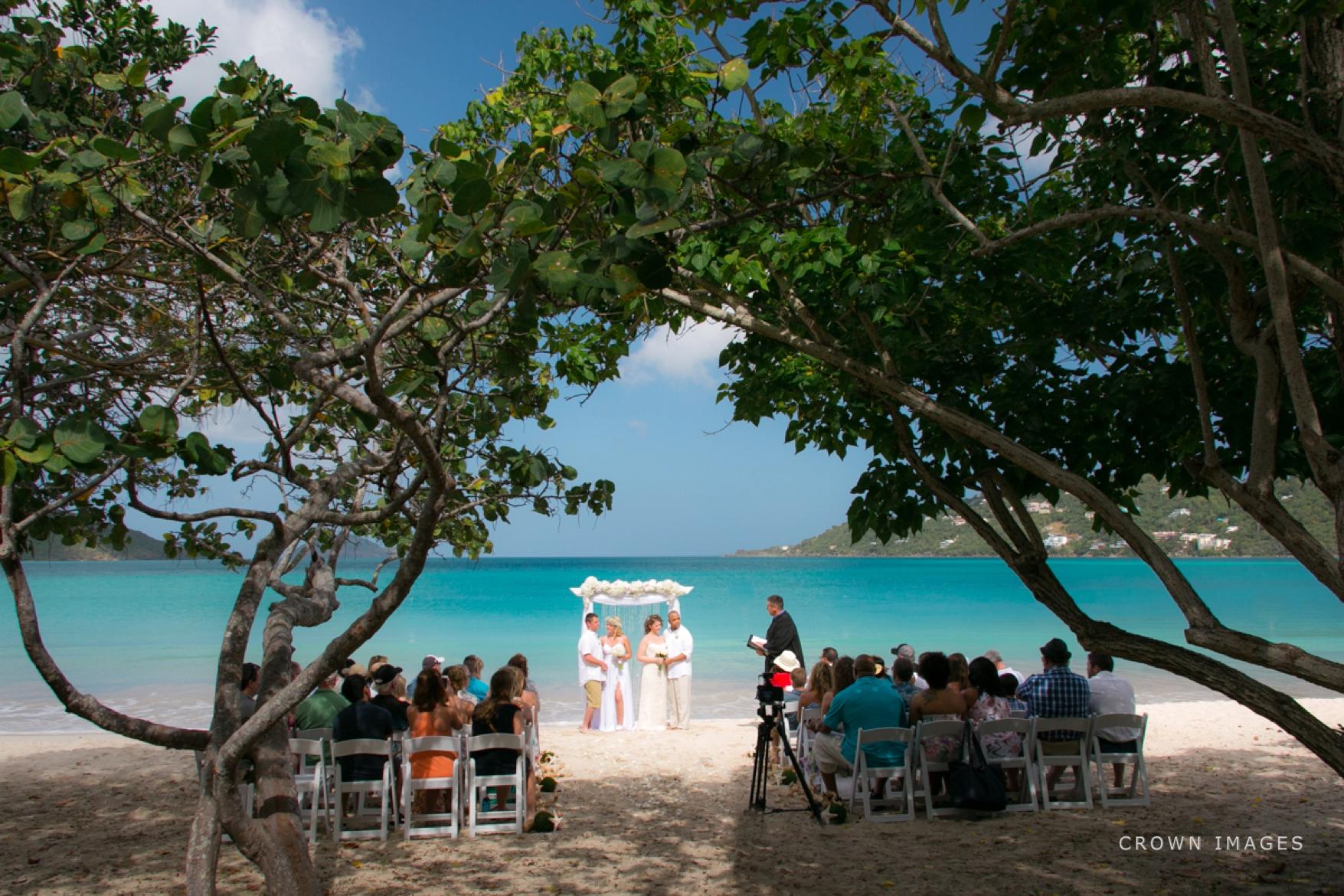 wedding_photos_saint_thomas_crown_images_0559.jpg
