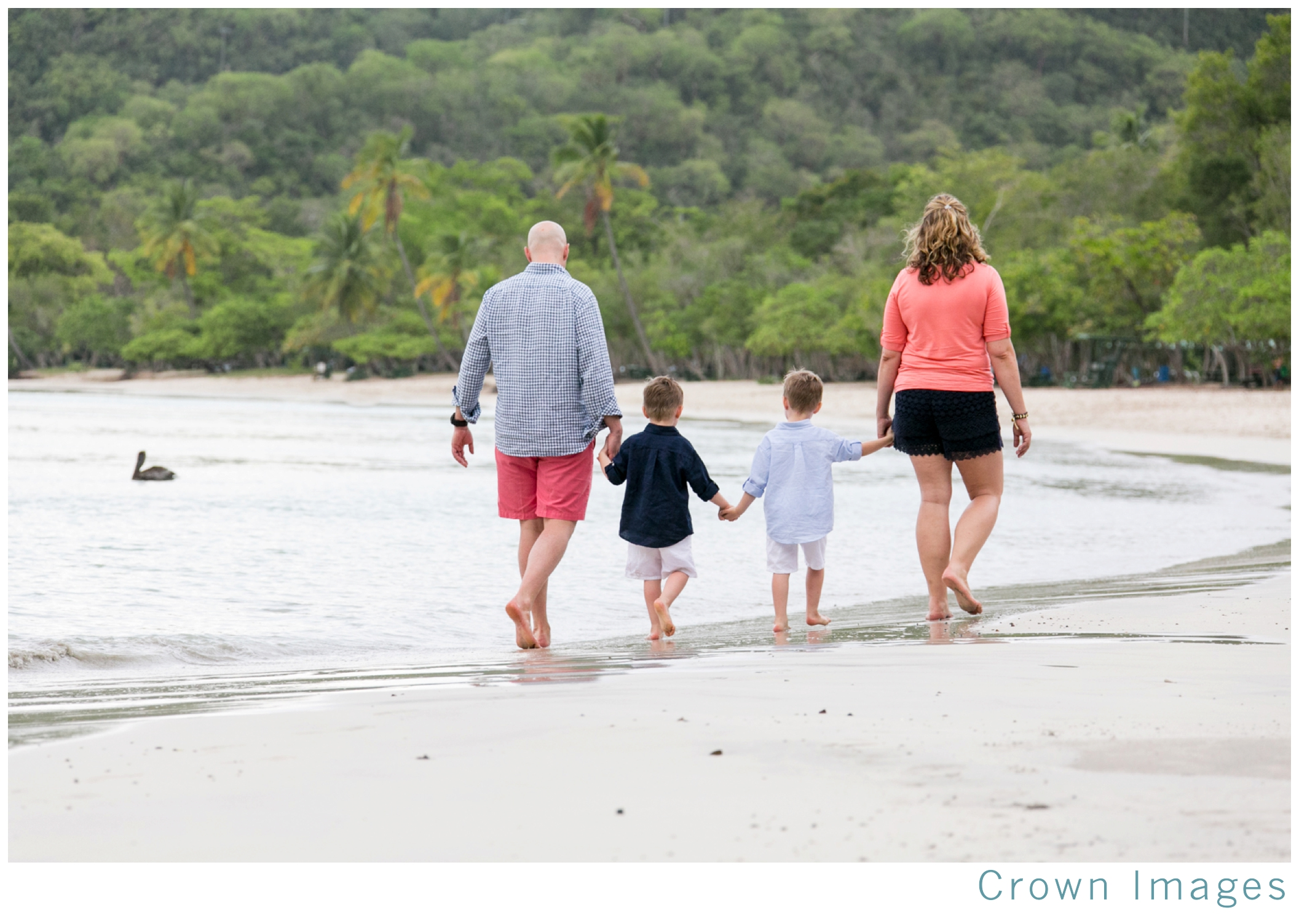 st thomas family photos on the beach_1321.jpg