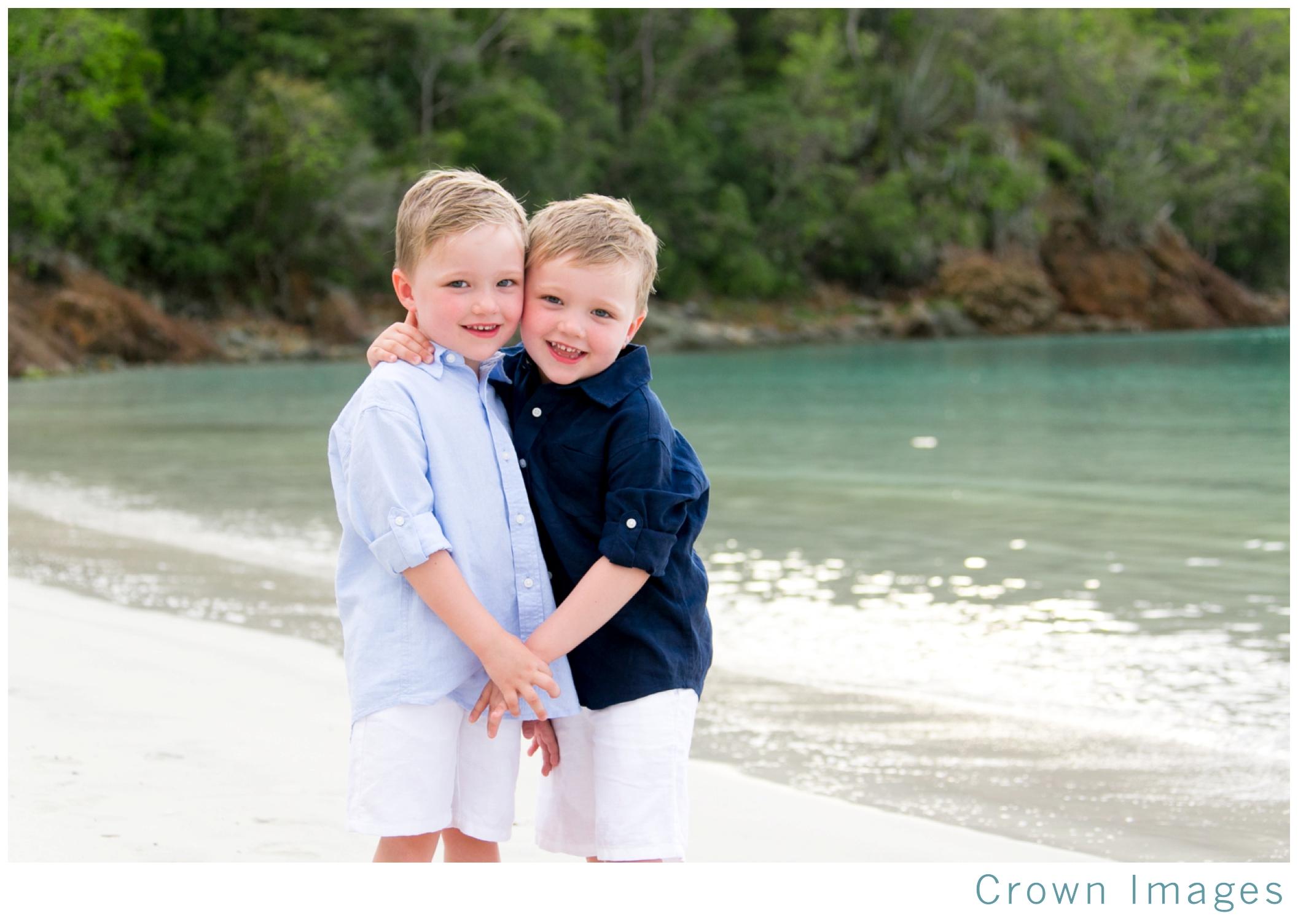 st thomas family photos on the beach_1328.jpg