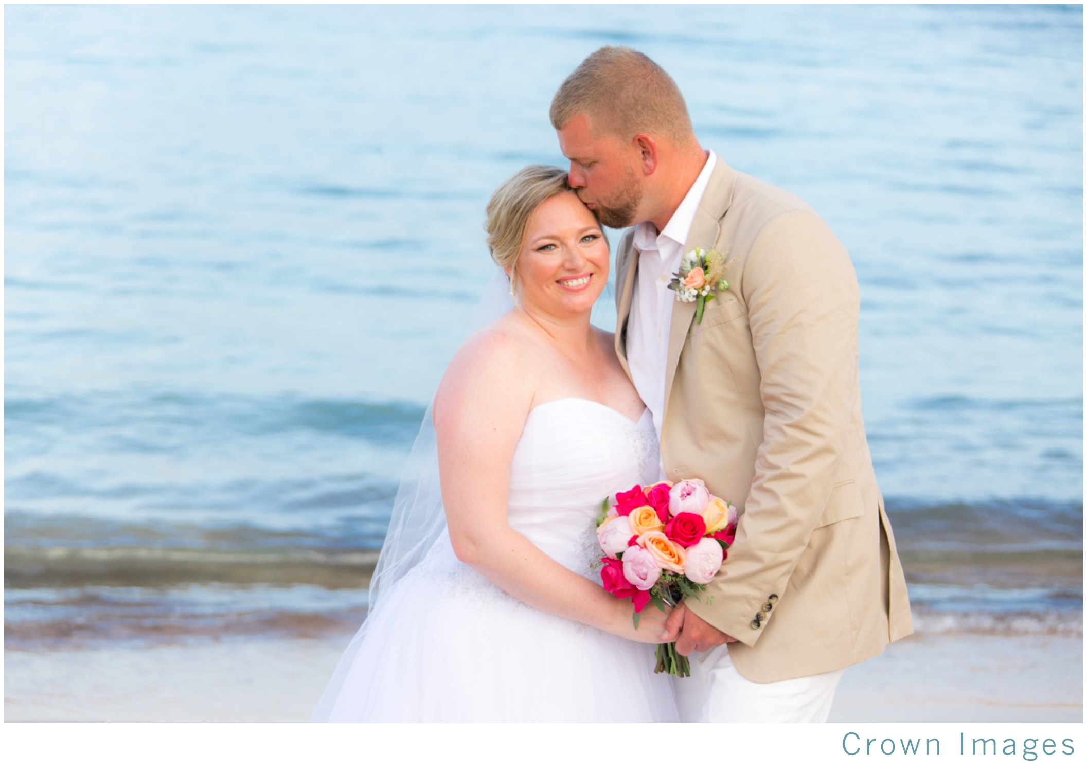 beach-wedding-st-thomas-bolongo-resort_1850.jpg