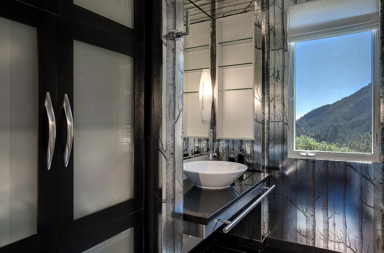 Eldorado Main Level Bath.jpg