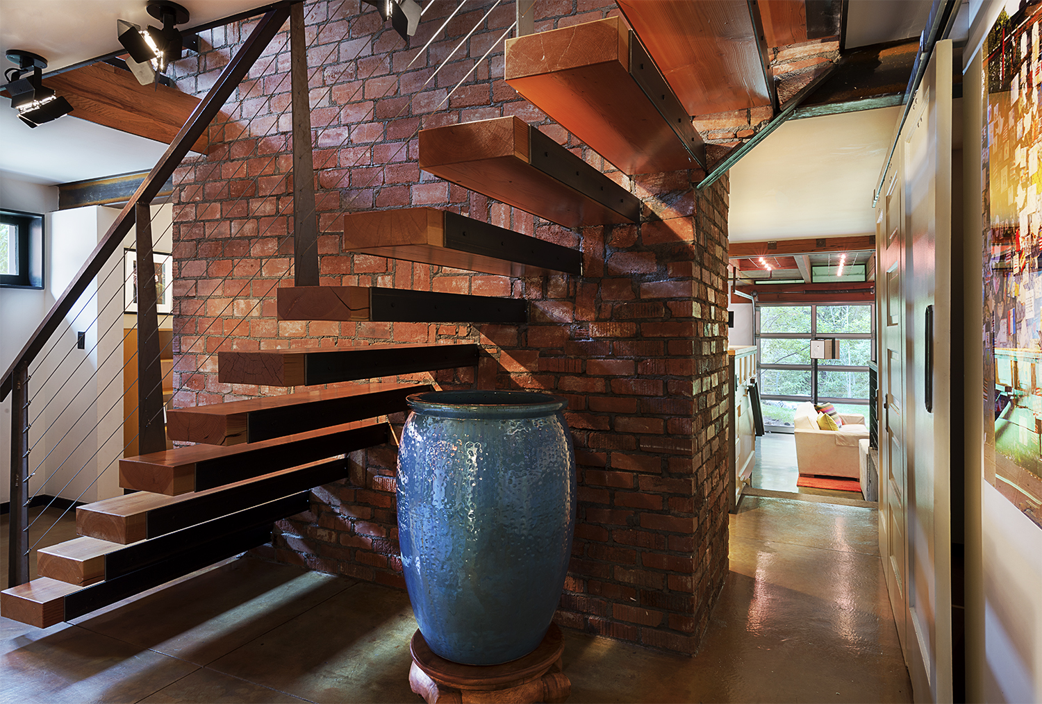 Lower Stairs-Hall to Family.jpg